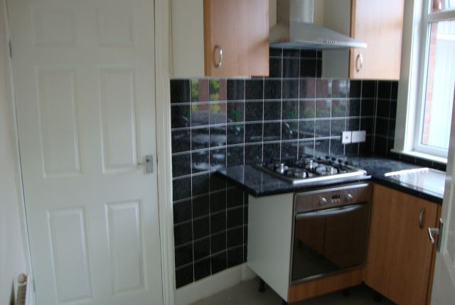 Thumbnail Terraced house to rent in Raleigh Road, Stoke