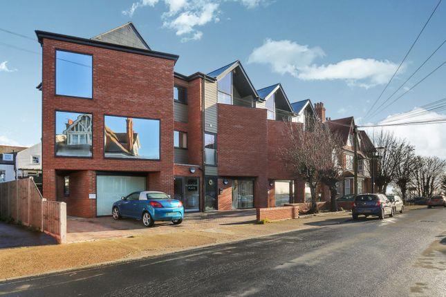 Thumbnail Flat to rent in Stanley Road, Felixstowe