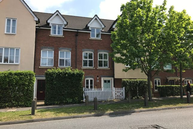 Thumbnail Town house to rent in New Hythe Lane, Larkfield, Aylesford