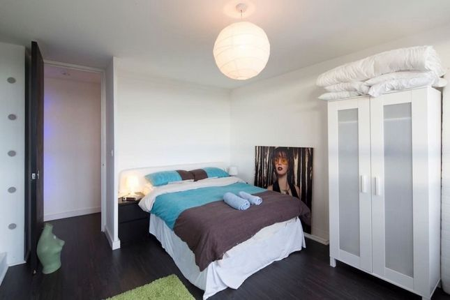 Thumbnail Flat to rent in Kennington Lane, Kennington