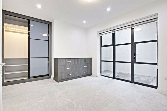 Thumbnail Mews house to rent in Shanti Close, Enfield