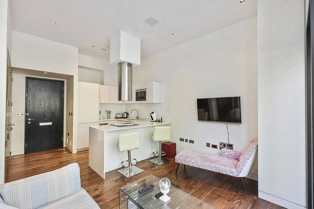 Thumbnail Flat to rent in Wood Street, London