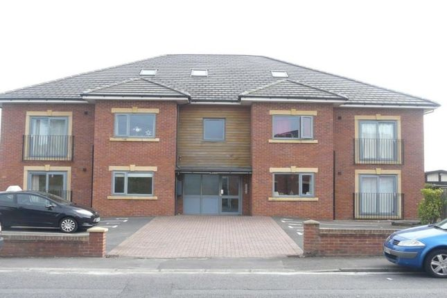 Thumbnail Flat to rent in Leyland Road, Penwortham, Preston