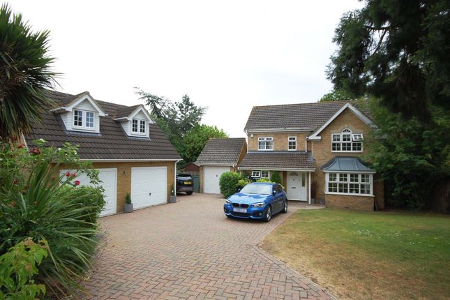 Thumbnail Detached house for sale in Caldecot Avenue, Cheshunt, Waltham Cross