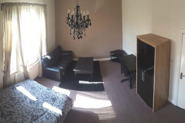 Thumbnail Shared accommodation to rent in St. Ann's Crescent, London