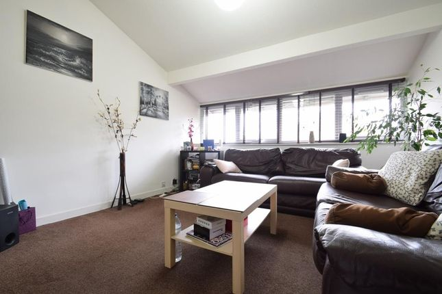 Thumbnail Maisonette to rent in Hawes Close, Northwood