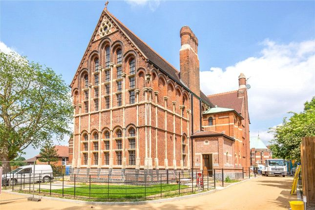 Thumbnail Flat for sale in Wildernesse House, Wildernesse Close, Edgware, London