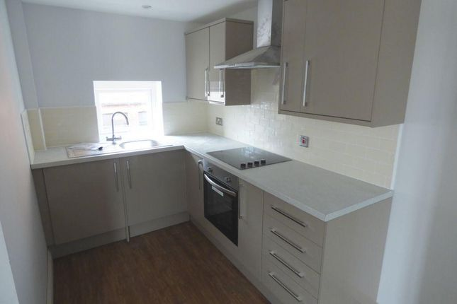 2 bed flat to rent in Wood Street, City Centre