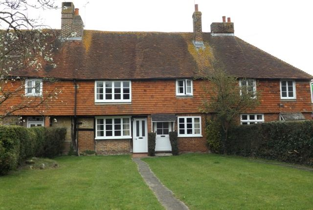 Thumbnail Terraced house to rent in Plaistow Street, Lingfield