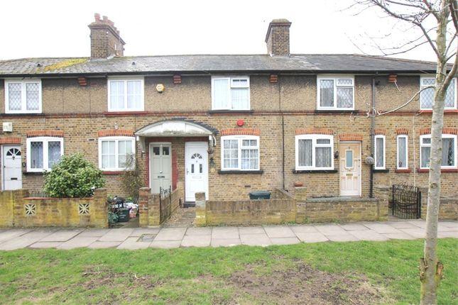 Thumbnail Cottage for sale in Hemmen Lane, Hayes