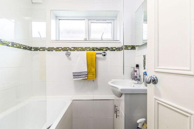 Bathroom of 10 Shirley Road, Wallington SM6