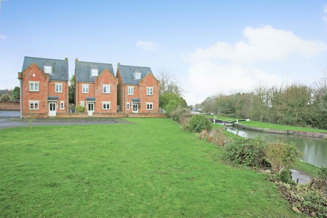 4 bed detached house for sale in Westminster Close, Devizes SN10
