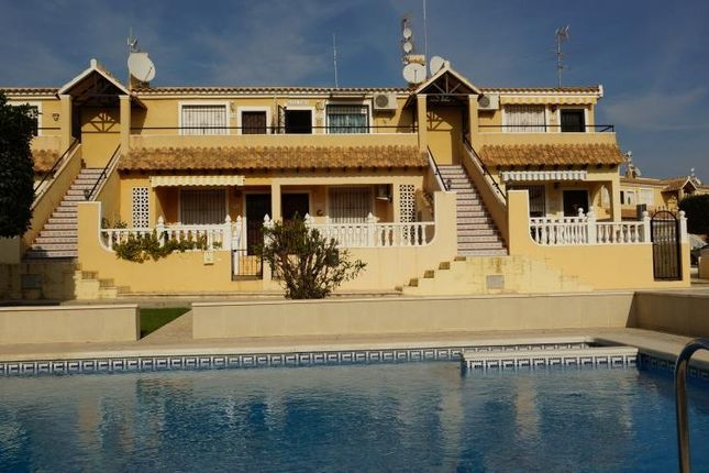 2 bed bungalow for sale in Alicante, Alicante, Spain