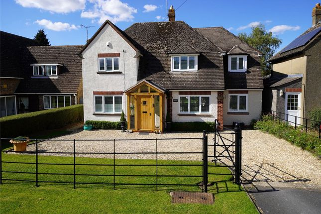 3 bed detached house for sale in Leamington Road, Broadway, Worcestershire WR12