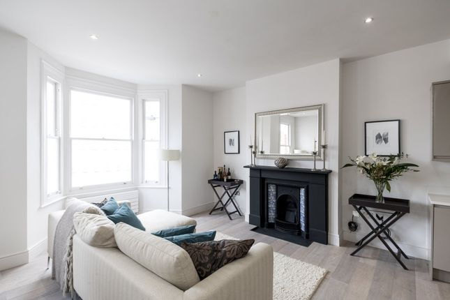 Thumbnail Flat for sale in New Kings Road, London