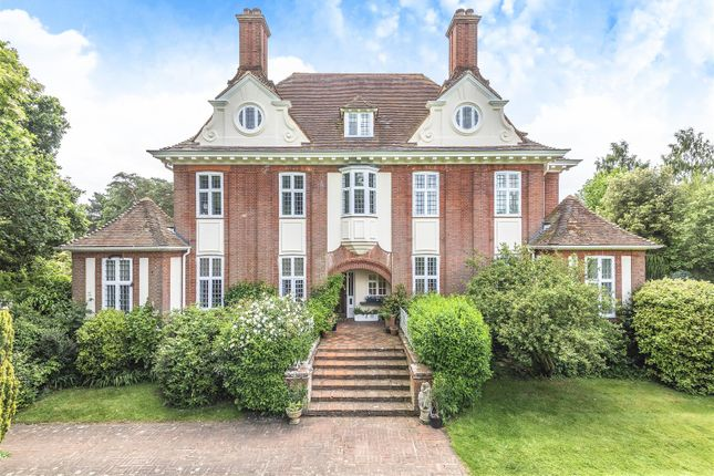 Thumbnail Flat for sale in Swallowfield Road, Arborfield, Berkshire