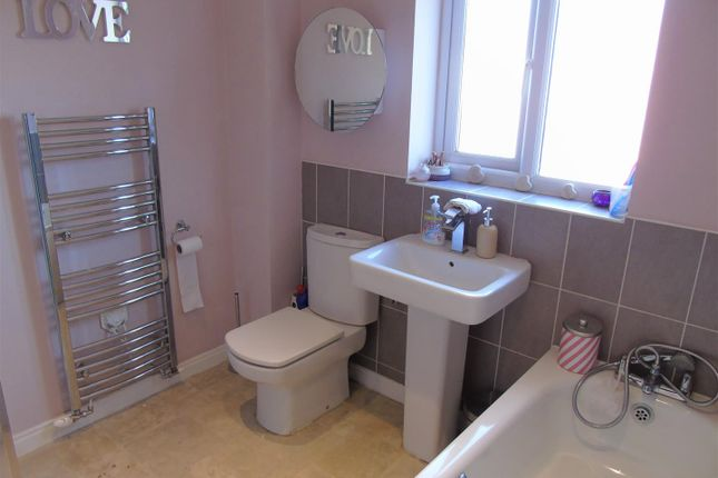 Family Bathroom of Westfields Drive, Bootle L20