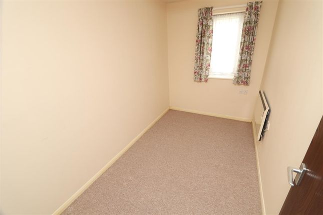Bedroom 2 of Ladywell Close, Stretton, Burton-On-Trent DE13