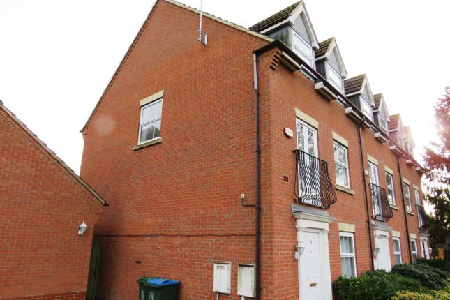 Thumbnail Town house to rent in Treefields, Buckingham