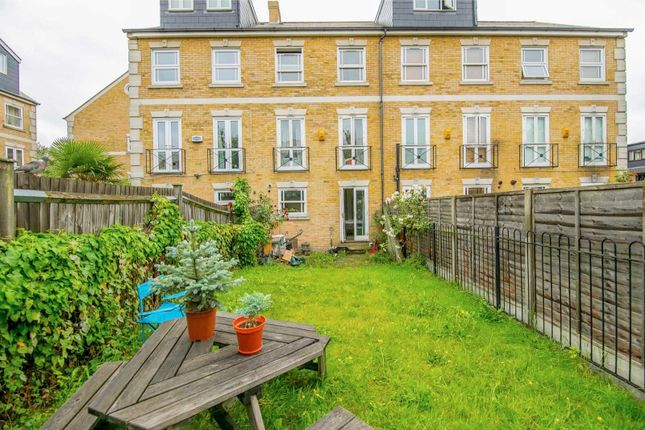 Thumbnail Town house to rent in Brunel Road, London