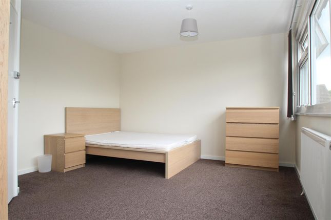 Thumbnail Property to rent in Tamar Green, Hemel Hempstead