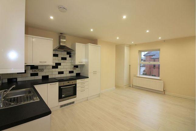 Thumbnail Flat to rent in Broad Street, Banbury
