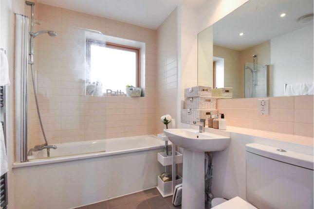 Bathroom of Goodwin Way, Romford RM3
