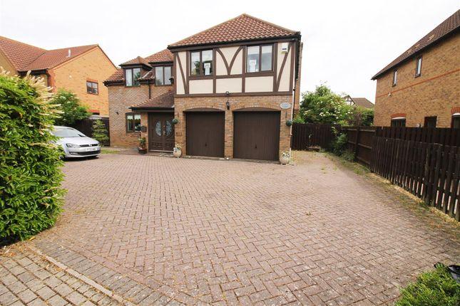 Thumbnail Detached house to rent in Lynmouth Crescent, Furzton, Milton Keynes