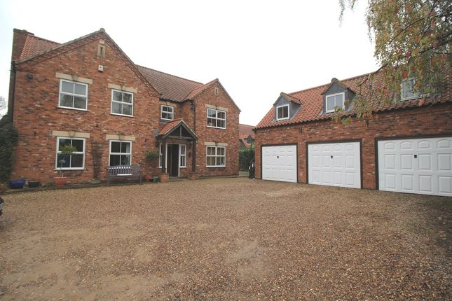 Thumbnail Detached house to rent in Casthorpe Road, Barrowby, Grantham