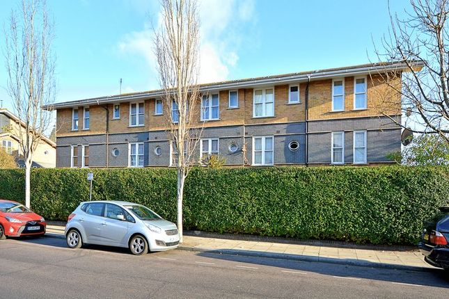 Thumbnail Flat for sale in Leabank Square, Hackney Wick, London