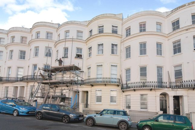 2 bed flat for sale in Lansdowne Place, Hove BN3