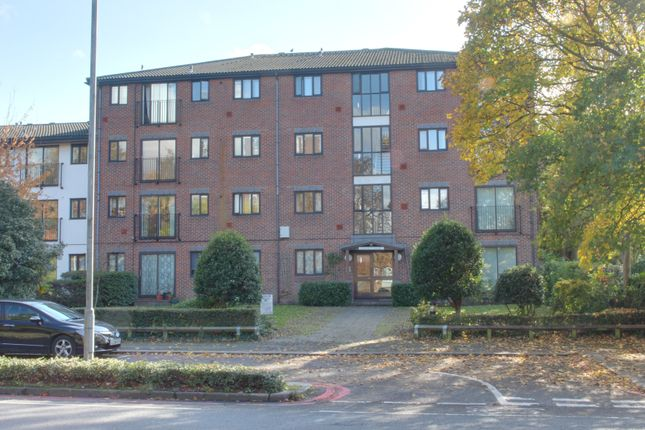 Flat to rent in Chepstow Road, East Croydon