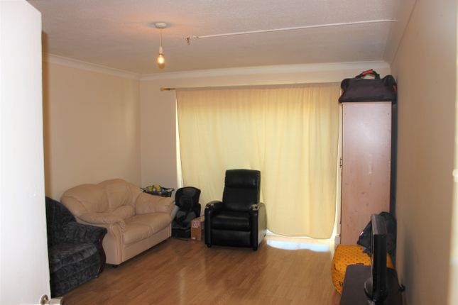 Thumbnail Maisonette to rent in Salt Hill Avenue, Slough