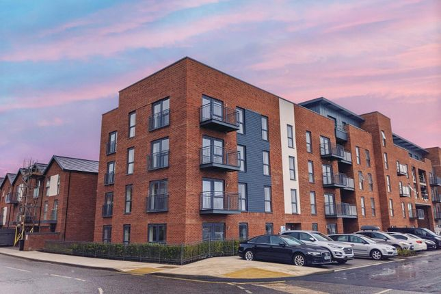 Flat for sale in John Thornycroft Road, Southampton