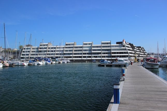 Thumbnail Flat for sale in Ocean Court, Richmont Walk, Stonehouse, Plymouth.