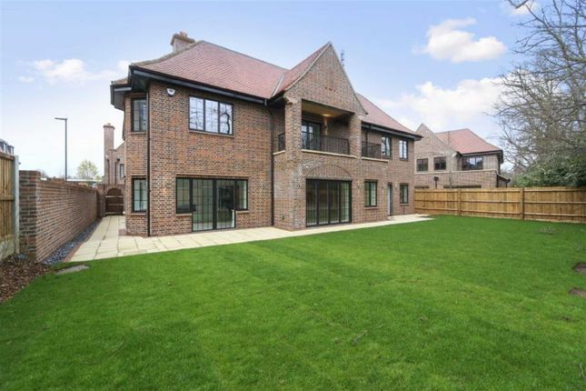 Thumbnail Flat for sale in Chandos Way, London