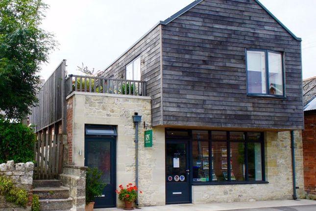 3 bed flat to rent in The Avenue, Tisbury, Salisbury SP3