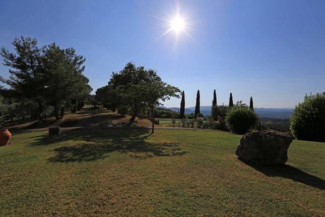 Land And View of Casaccia, Monte Santa Maria di Tiberina, Umbria