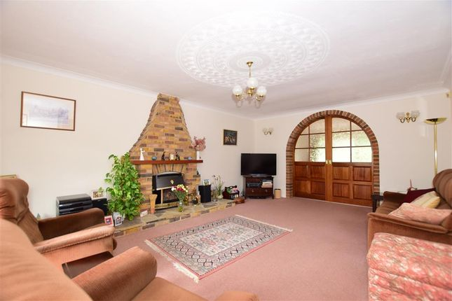 Thumbnail Detached house for sale in College Avenue, Maidstone, Kent
