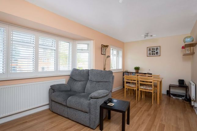 Living/Dining of St. Johns Parade, Sidcup High Street, Sidcup DA14