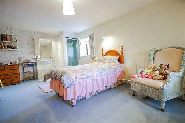 5 Bedroom Farmhouse For Sale 43647117 Primelocation