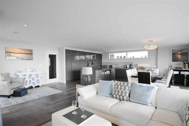Thumbnail Flat for sale in Eden Point, Leigh-On-Sea, Essex