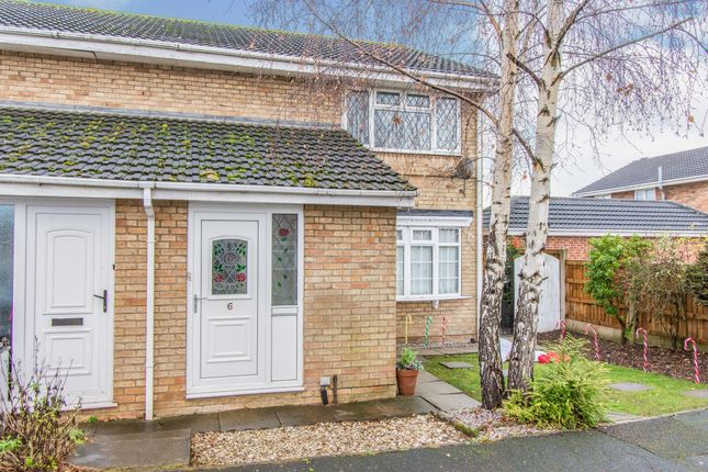 Thumbnail Flat for sale in Barnet Green, Dunscroft, Doncaster