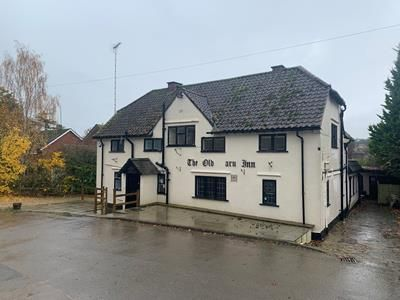 Thumbnail Pub/bar to let in Old Barn Inn, Main Street, Market Harborough, Leicestershire