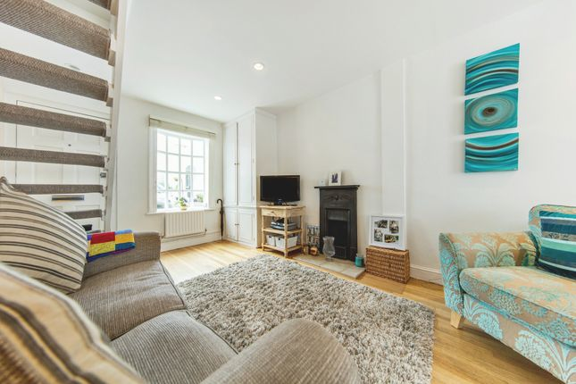 Thumbnail Cottage for sale in Hyde Road, Richmond