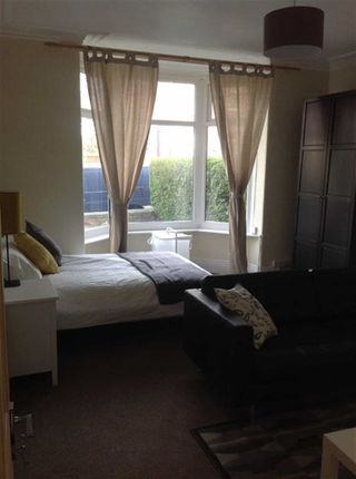 Thumbnail Flat to rent in Back Nursery Mount, Leeds