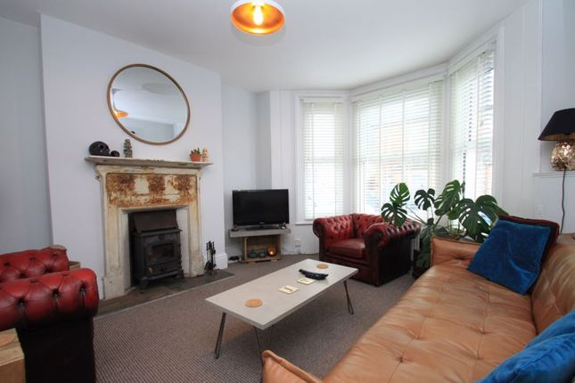 Thumbnail Terraced house to rent in Clarence Road, Ventnor