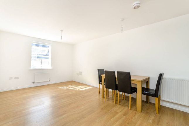 Thumbnail Flat to rent in Renwick Drive, Bromley