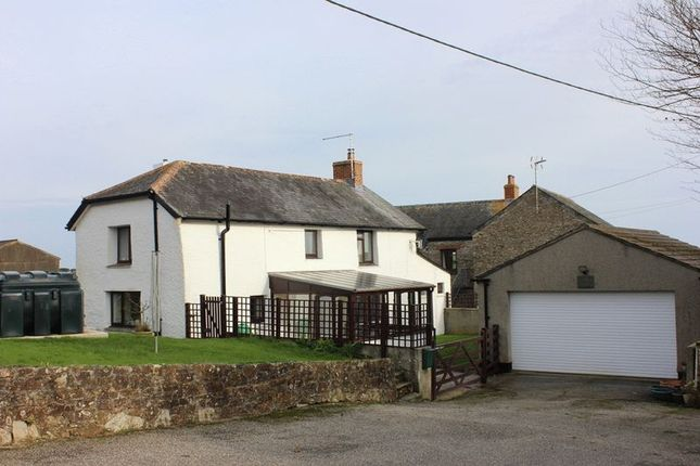 Thumbnail Cottage for sale in Boswinger, St. Austell