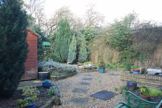 Garden of Grove Street, New Balderton, Newark NG24